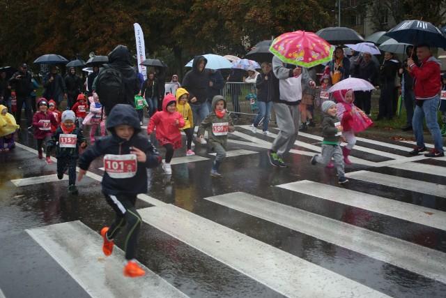 Bieg na 100 metrów dzieci rozpoczął 11. edycję imprezy Białystok Biega.