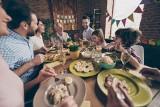 Wielkanoc 2019: Psycholog radzi - Jak nie pokłócić się przy wielkanocnym stole?