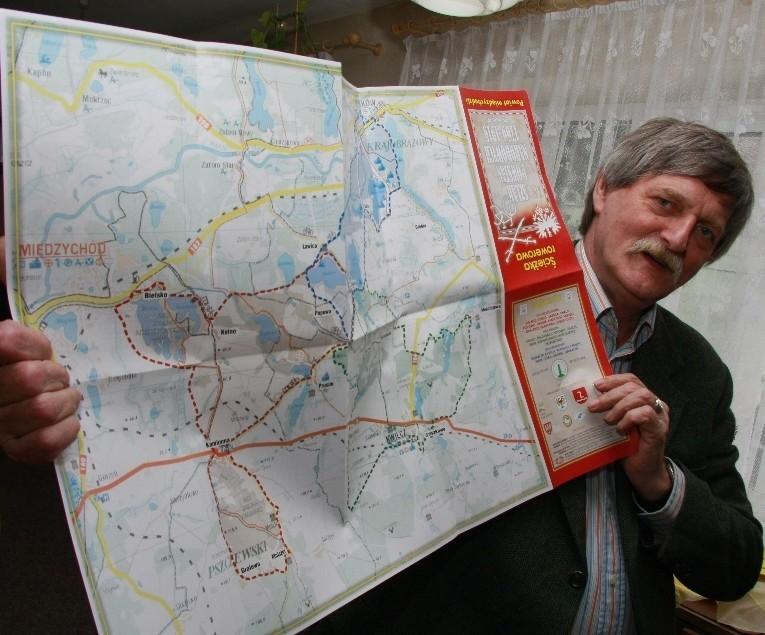 - Wydaliśmy też mapę tego szlaku z dokładnym i opisami poszczególnych przystanków - mówi Antoni Taczanowski z Międzychodu