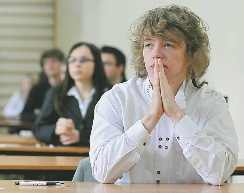 - Matematykę trzeba znać, bo jest obecna wszędzie. Obowiązkowy egzamin z tego przedmiotu wyjdzie nam na dobre - uważa Piotr Katolik z III LO w Zielonej Górze, który wybiera się na UZ lub Politechnikę Wrocławską.