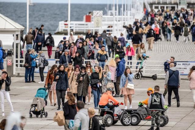 Rośnie zainteresowanie Polskim Bonem Turystyczny. Zakład Ubezpieczeń Społecznych wydał już ponad 1,6 mln bonów turystycznych na kwotę blisko 1,5 mld zł. Oto zasady, które powinien znać każdy! Jak nie stracić bonu turystycznego?WIĘCEJ NA KOLEJNYCH STRONACH?>>>