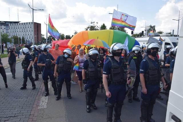 Marsz Równości w CzęstochowieZobacz kolejne zdjęcia. Przesuwaj zdjęcia w prawo - naciśnij strzałkę lub przycisk NASTĘPNE