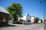 Białystok. Prawosławna kaplica przy Warszawskiej 16. Wycięto dwa drzewa. Bo zawadzały nowemu ogrodzeniu (zdjęcia)