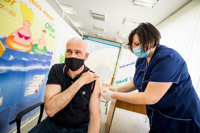 W Lubuskiem do tej pory wykonano ponad 981 tys. szczepień, a...