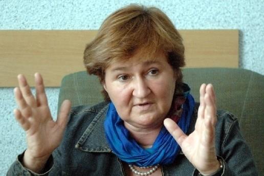 Magdalena Środa. Ma 52 lata. Etyk, filozof, publicystka, feministka. Profesor Uniwersytetu Warszawskiego. W latach 2004-05 była pełnomocnikiem rządu ds. równego statusu kobiet i mężczyzn. Jest jedną z organizatorek Kongresu Kobiet Polskich, który w sobotę i niedzielę odbywa się w Warszawie.