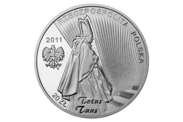 Narodowy Bank Polski emituje monety okolicznościowe z wizerunkiem Jana Pawła II od 1982 r. Na zdjęciu awers monety wydanej z okazji beatyfikacji Jana Pawła II w 2011 r. Jak będzie wyglądać nowa seria, tego jeszcze nie wiemy