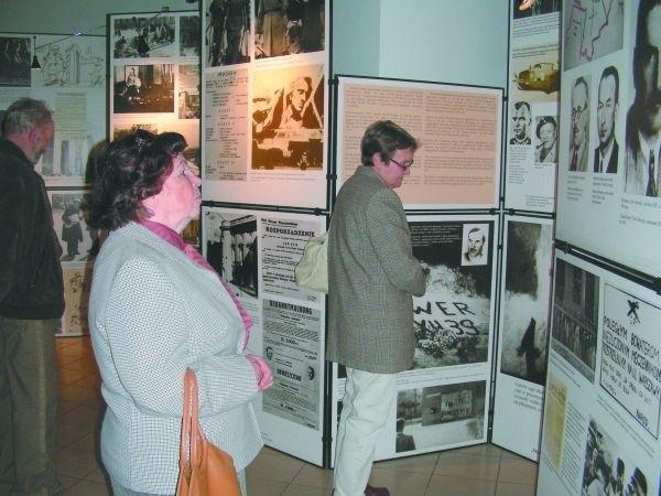 """Podczas wernisażu wystawy """"Warszawa lat wojny i okupacji 1939-1945"""""""