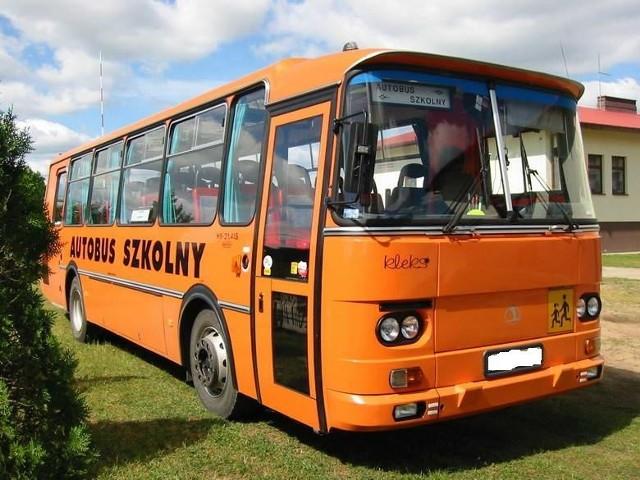 Stan techniczny autobusu pozostawia wiele do życzenia.