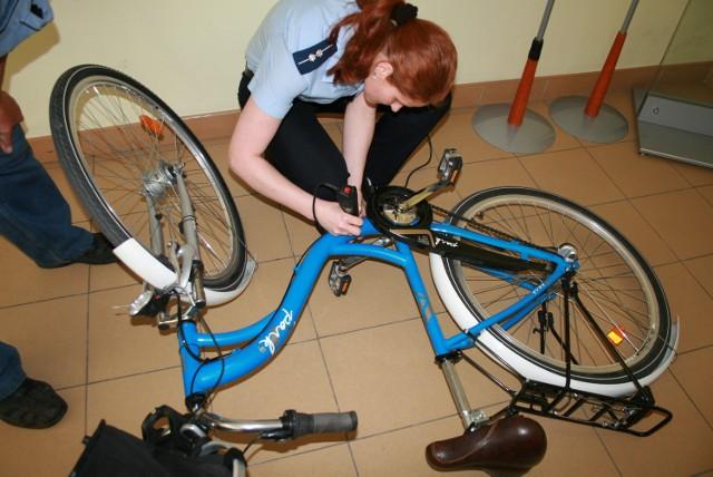 W każdą środę w godz. 10-14 w brodnickiej komendzie bezpłatnie znakowane są rowery.