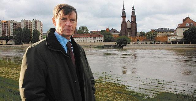 - Budowa zbiornika w Raciborzu ma kluczowe znaczenie dla Opolszczyzny, bo zabezpieczy nas przed powodzią - mówi prezydent Opola, Ryszard Zembaczyński.