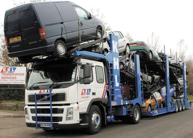 W 2008 roku sprowadzono do Polski 1 103 970 samochodów używanych.