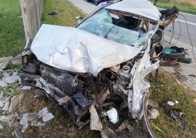 Śmiertelny wypadek w Karczemkach we wtorek, 27.07.2021 r.! Nie żyje 25-letni kierowca