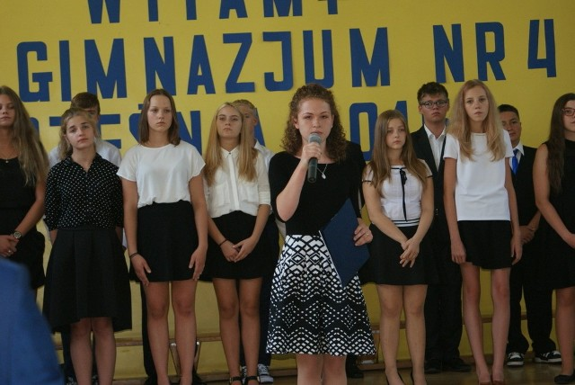 Uroczysta inauguracja nowego roku szkolnego w Gimnazjum nr 4