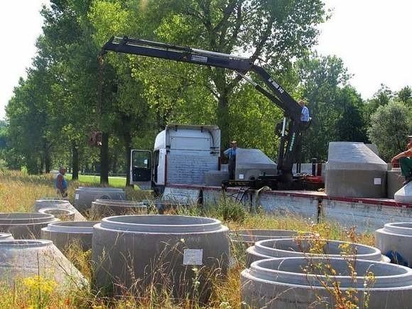 Ruszyła budowa kanalizacji, powstanie nowe letniskoBudowa kanalizacji powinna się zakończyć do 17 listopada.