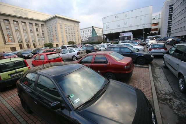 Parking na placu Sejmu Śląskiego