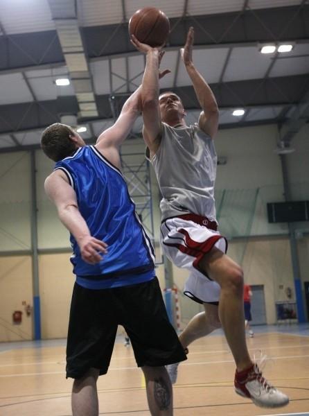 Koszykarze AZS-u Politechniki Rzeszowska ostro trenują przed turniejem półfinałowym.