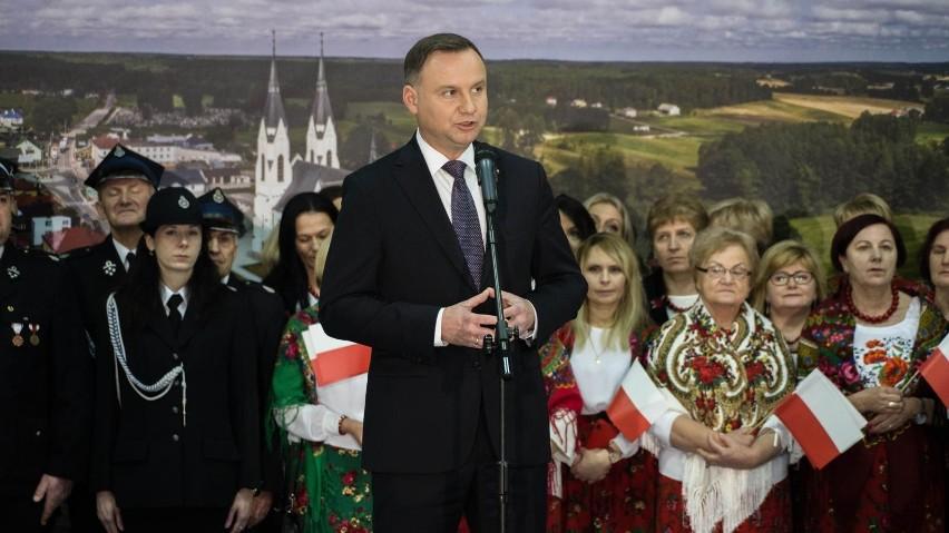 Andrzej Duda najwyraźniej liczy, że jego propozycję zauważą...