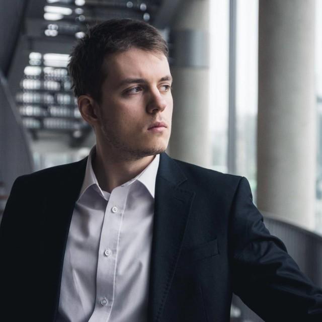 Podczas koncertu inauguracyjnego zaśpiewa m.in. baryton Szymon Mechliński.