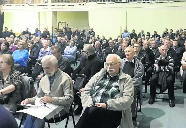 Spotkania konsultacyjne w sprawie budowy trasy S12 budzą ogromne zainteresowanie mieszkańców gmin, przez które ma przebiegać trasa.