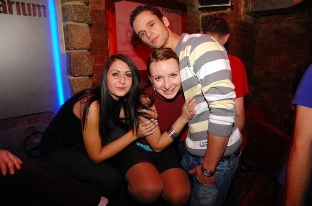 Piątkowa impreza w Aqarium Pub
