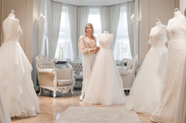 Sylwia Marciniak spełnia swoje marzenia projektując ślubne suknie