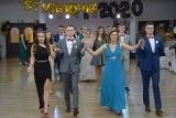 Studniówka 2020 Strzelce Opolskie. Maturzyści z Centrum Kształcenia Zawodowego i Ustawicznego (CKZiU) bawili się w sobotę na balu