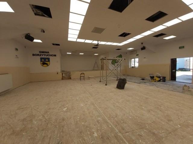 Gmina odnowiła salę.