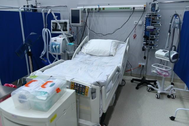 Szpital tymczasowy w CWK w Opolu.
