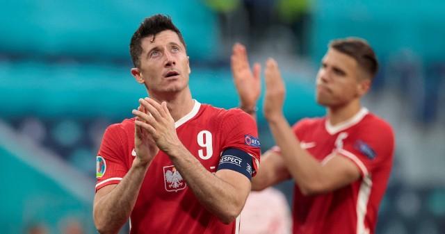 Czy Robert Lewandowski będzie bił brawo nowym władzom PZPN, które planują poszukiwanie następców tego mistrza? Oczywiście najpierw kibice chcieliby oklaskiwać gole kapitana reprezentacji Polski w meczach z Albanią, San Marino i Anglią.