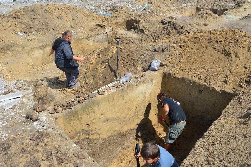 Archeolodzy na proszowickim rynku