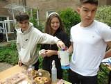 Białystok. Dzień Dziecka w ZSS przy Fabrycznej 10. Zorganizowali piknik, a pieniądze przekazali choremu Mikołajowi (zdjęcia)