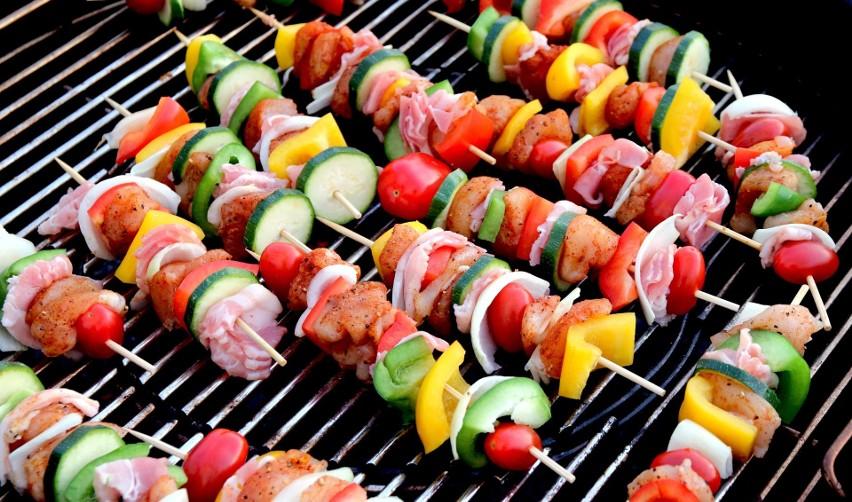 Szaszłyki z mięsem, rybami, warzywami i na słodko... Kliknijcie w galerię i zobaczcie najlepsze przepisy naszych Czytelników.