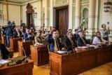 """""""Gorszego sortu niż wy nie ma na tym świecie"""". Gdańscy radni Koalicji Obywatelskiej nazwani nazistami, sprawą zajmuje się prokuratura"""