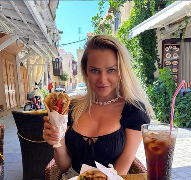 Ola Ciupa zaręczyła się! Słowianka Donatana i prezenterka 4fun tv zaręczona.