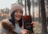 """""""Niebezpieczny trójkąt"""". Erotyczna powieść 21-letniej Lubuszanki już w przedsprzedaży. Autorka: """"Spełniają się moje marzenia"""""""
