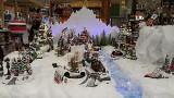 Mikołaje, renifery i choinki, czyli czas pomyśleć o Bożym Narodzeniu, handlowcy zadbali, żeby każdy zdążył z zakupami