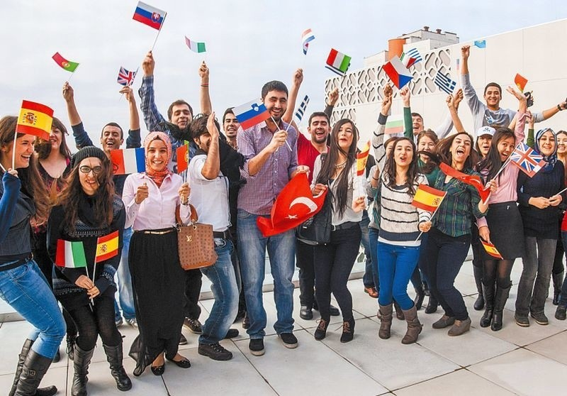 Akcja Open Your Mind przygotowana przez studentów Erasmusów...