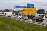 Wypadek ciężarówek na A4 koło węzła Bielany. Policja bada okoliczności zdarzenia