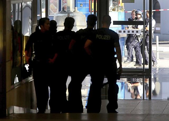 Policja na dworcu w Kolonii
