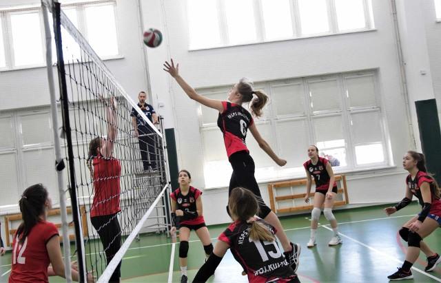 W Inowrocławiu walczyły siatkarskie młodziczki. Zmierzyły się drużyny MSPS Inowrocław, Czwórka Włocławek i Joker Świecie. Turniej wygrały inowrocławianki