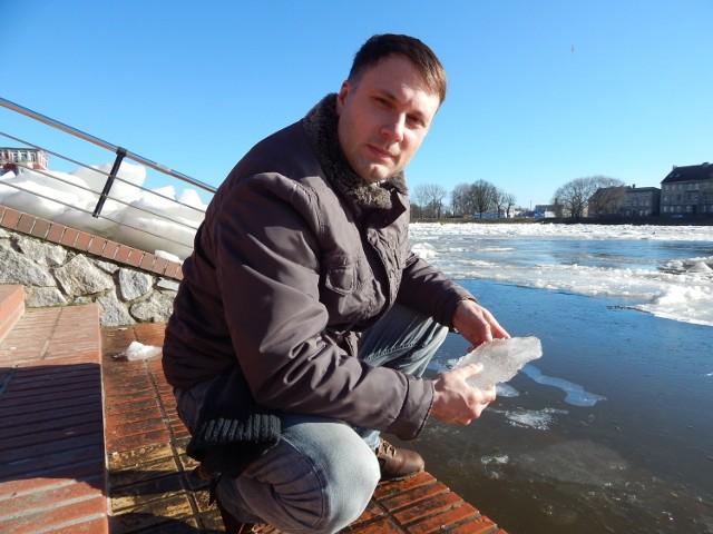 - Dużo ludzi zachowałoby się podobnie do mnie - uważa Nikodem Jędryczko. W styczniu 2013 wyciągnął ze stawu w Wawrowie dwóch chłopców, pod którymi załamał się lód.