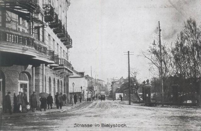 Legenda białostocka trzyma się krzepko. Wszyscy wierzymy, że tamte karnawały w Ritzu to był szczyt elegancji. Ritz i ulica Pałacowa w 1916 r.