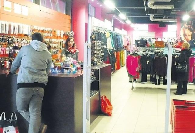 Ze względu na panującą tu temperaturę robienie zakupów w chińskim centrum nie należy do przyjemnych.