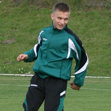 Piotr Wojeński. Ma 15 lat. Od roku występuje w barwach reprezentacji Polski. Ma na koncie dziewięć meczów międzypaństwowych. Piłkę nożną trenuje od pięciu lat.