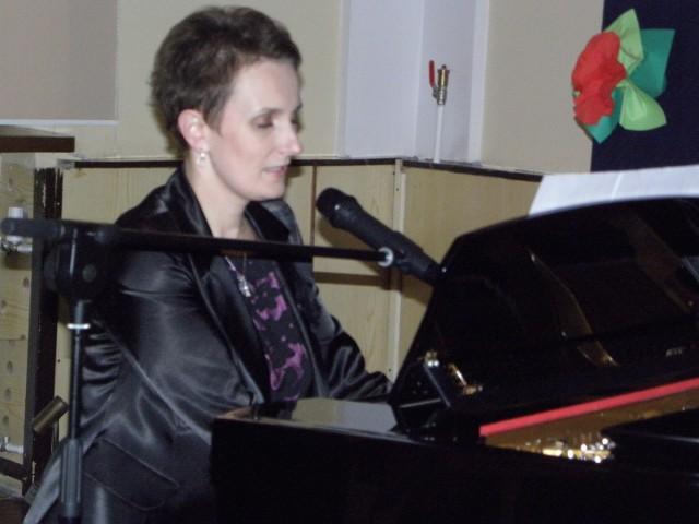 Recitale piosenki francuskiej w wykonaniu Magdaleny Kosobuckiej to zawsze wielka frajda dla słuchaczy.