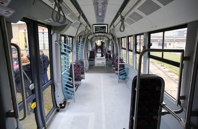 Pierwsze tramwaje typu Pesa Swing kupione za blisko 100 mln zł już trafiły do MPK Łódź