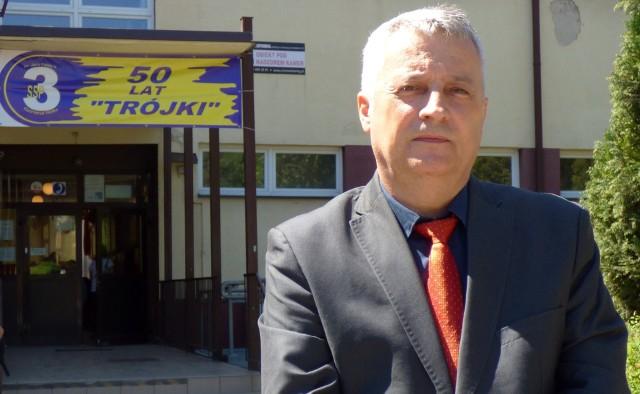 """Robert Głogowiecki, dyrektor kazimierskiej """"Trójki"""", ma zostać nowym radnym powiatowym."""