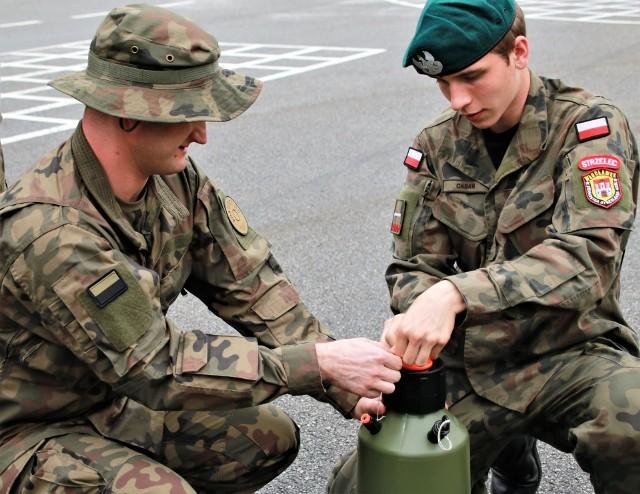 Członkowie Jednostki Strzeleckiej 4051 Włocławek uczestniczyli w przeszkoleniu w kierunku likwidacji skażeń i dezynfekcji