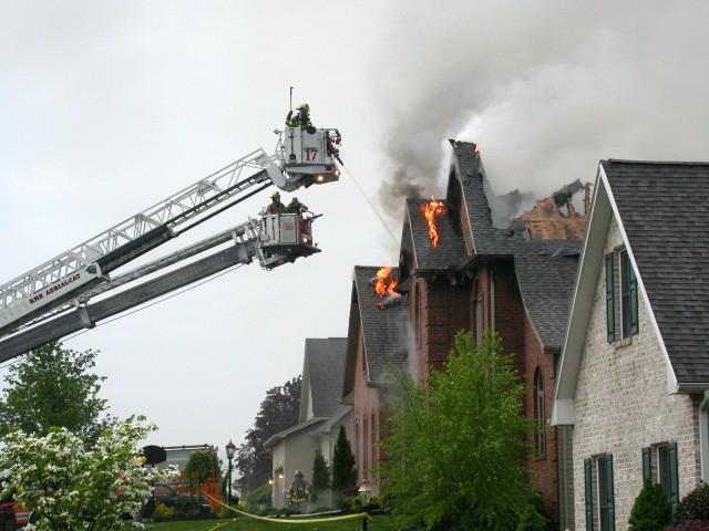 W jaki sposób ubezpieczyć swoje mieszkanie od pożaru?W jaki sposób ubezpieczyć swoje mieszkanie od pożaru