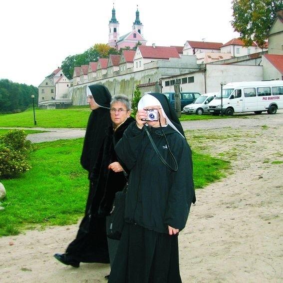 Czy po przejęciu byłego klasztoru przez Kościół turystów zastąpią osoby duchowne? Ełcka kuria zapewnia, że nie.